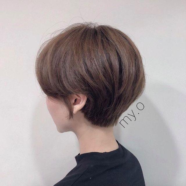 高层次的短发非常适合后脑勺扁平的女孩,圆润的弧度可以很好的遮掩掉