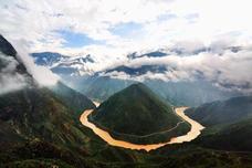 金沙江在西藏境内因塌方而断流,网友:干脆直接建个水电站!