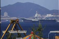我国产航母顺利完成二次海试 已返回大连造船厂(图)