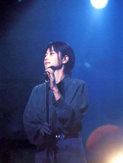 颜值最高女歌手坂井泉水红了27年歌曲被写入教科书