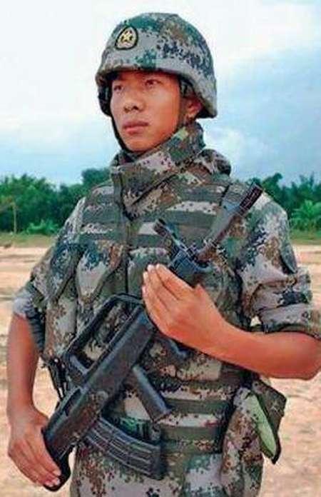 解放军新式单兵防护装备研制成功,适用各种恶劣天气!