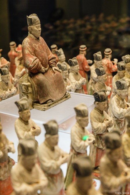 三彩马写实程度比秦、汉和唐初马形象雕塑作品高,分布西安和洛阳 实用小技巧 第4张