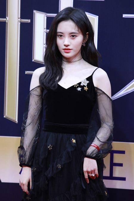 吴昕身材也不错,就算和穿黑裙的鞠婧祎站一起,时尚感也不输 实用小技巧 第2张